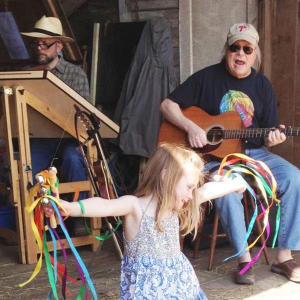Family Holiday Folk Music